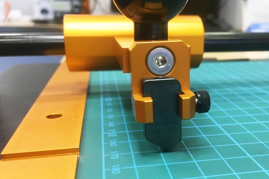 Diamond scribing wheel for FlexScribe